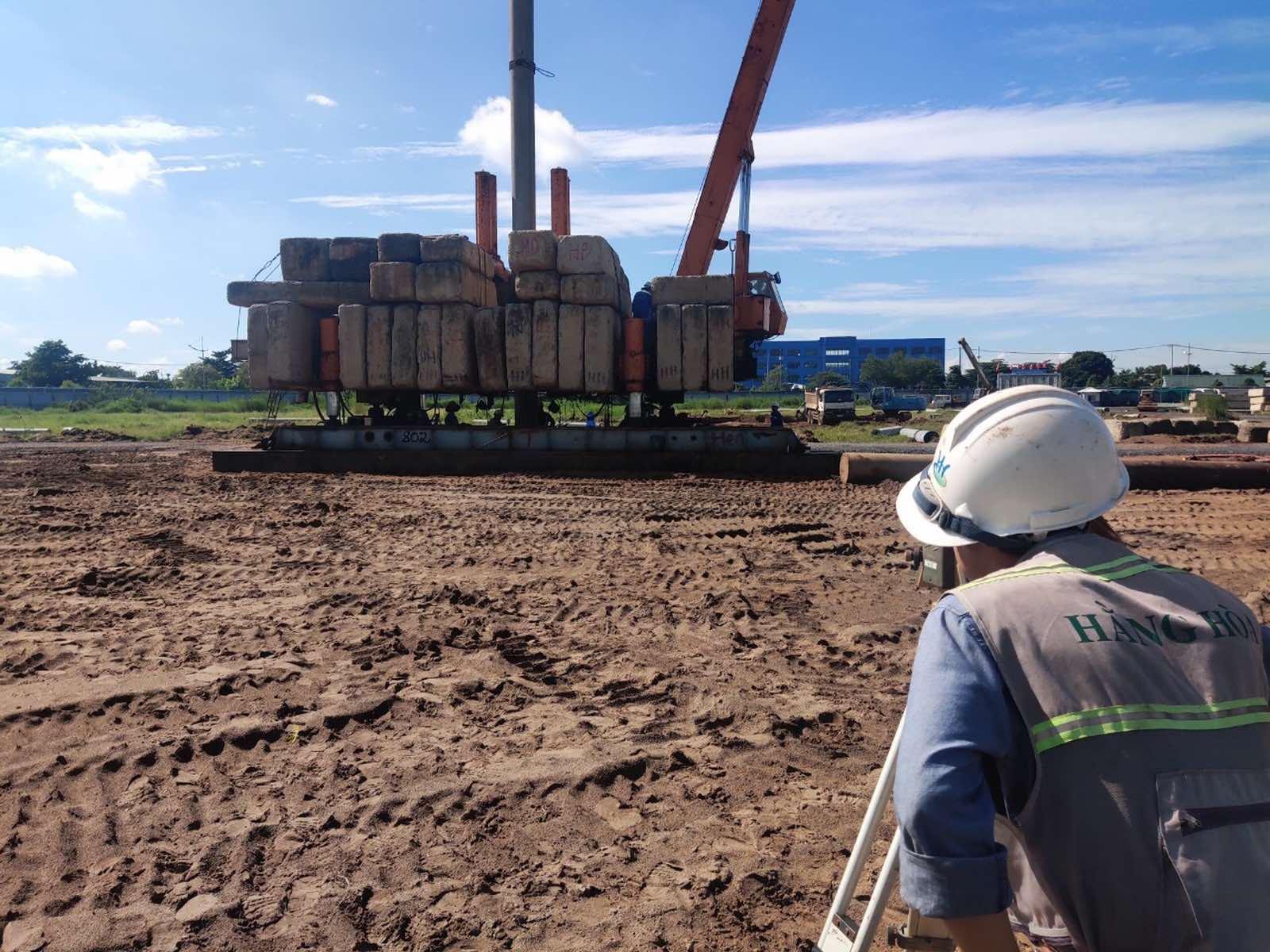 CĐT đang đẩy nhanh thi công phần móng cọc cho toàn dự án