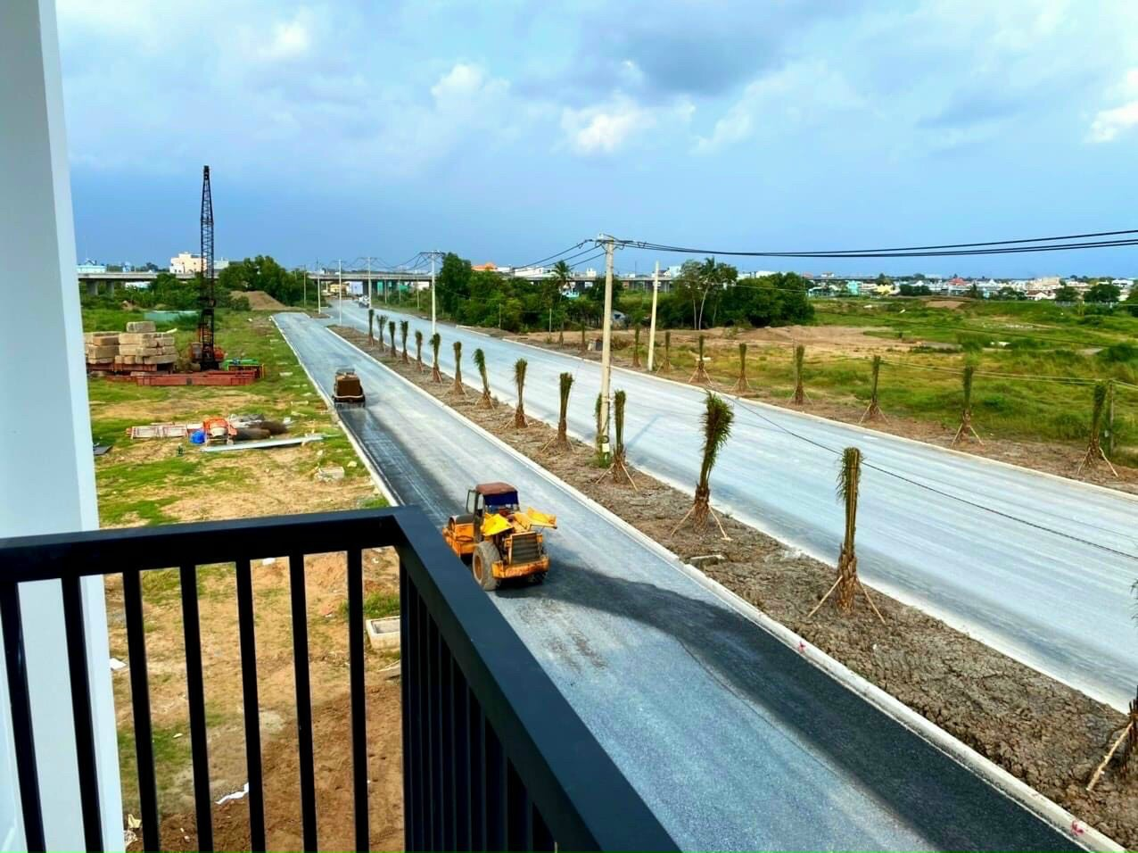 Những con đường tại dự án The Sol City đã hiện hữu và được thảm nhự sạch sẽ